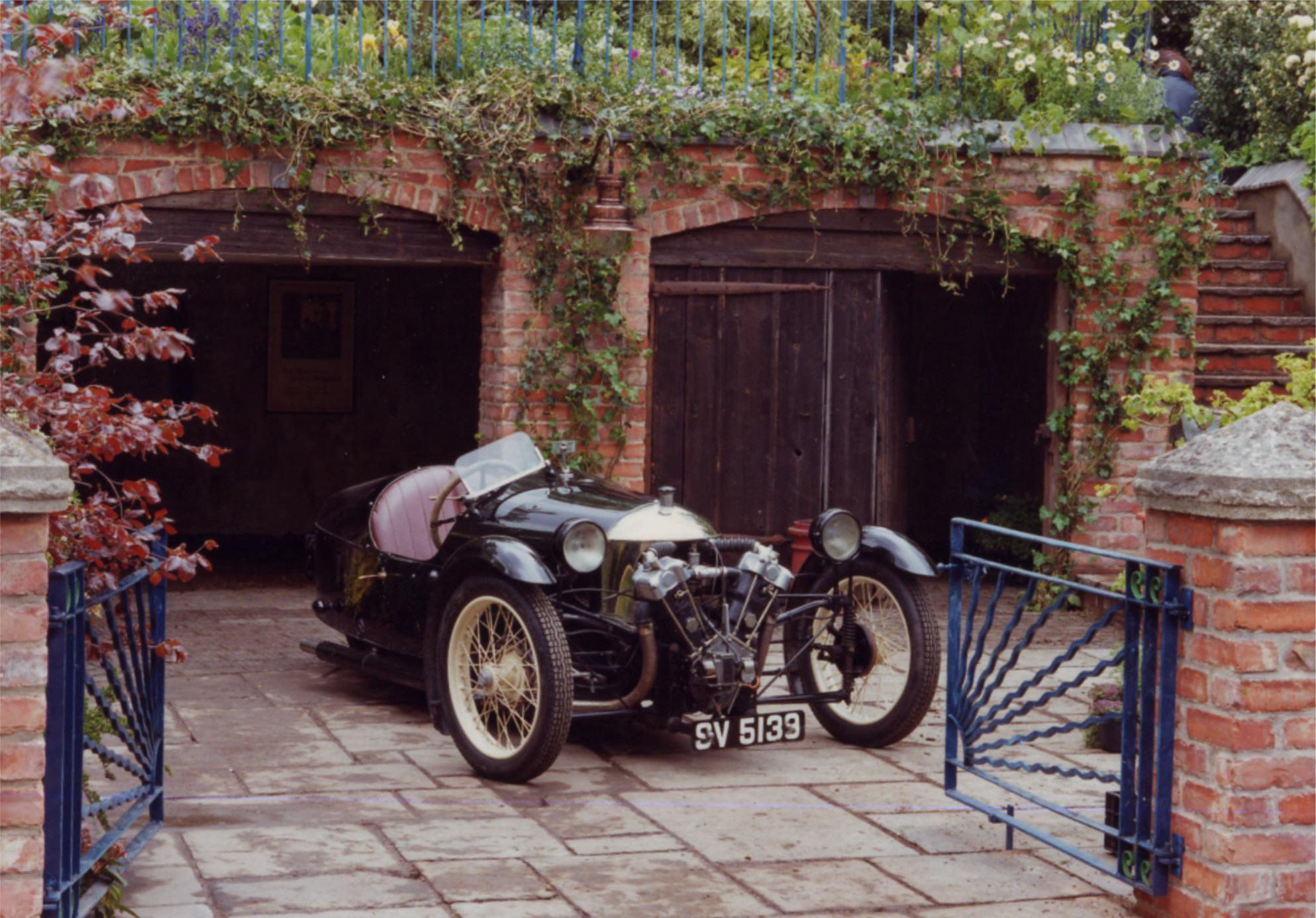 Jacquie gordon garden design gallery 1930 39 s morgan on for Garden design 1930